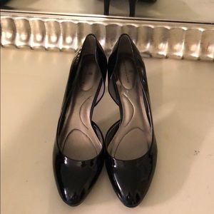 Black patent bandolino heel size 9.